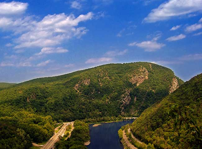 The Deleware Water Gap along the Deleware River has amazed travelers as they drive between New Jersey and Pennsylvania.