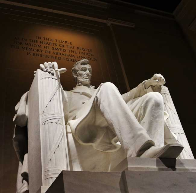 See the Lincoln Memorial when visiting Washington DC